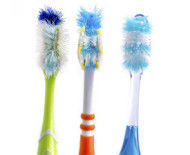 4 Tips for Keeping a Clean Toothbrush
