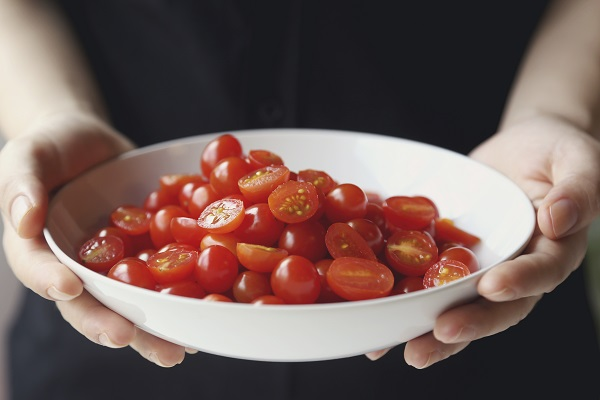Tomatoes are packed with healthy fruit fiber.