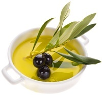 small-bowl-with-olives-and-olive-oil