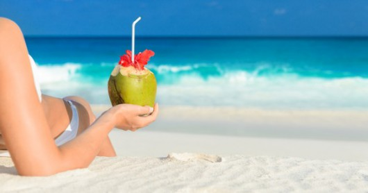 The 6 Benefits of Coconut Water You Should Know