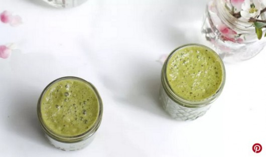Green Tea Smoothie with Matcha and Coconut