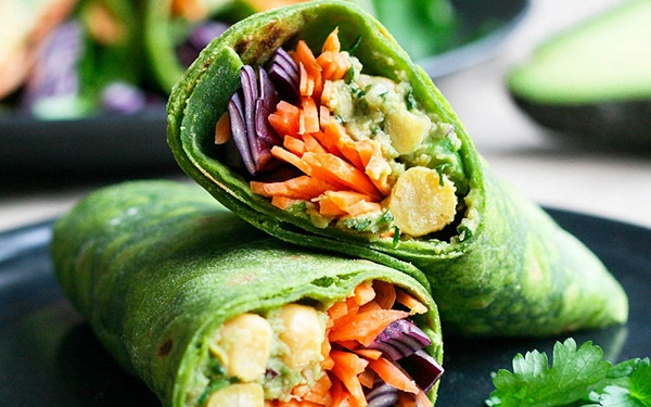 spinach-wraps-with-fresh-veggies-and-avocado-1200x750