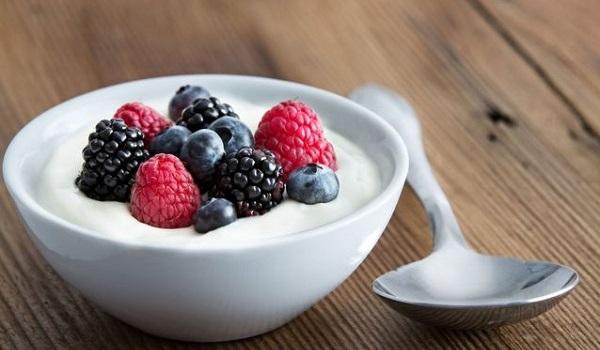 10 Best Foods to Prevent Flu: Yogurt