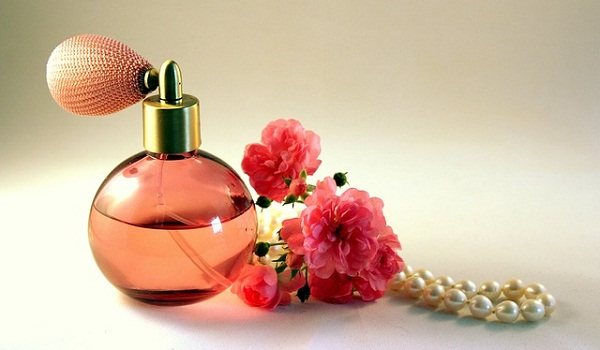 Mother's Day Gift Ideas: A custom-made perfume based on her favorite fragrances