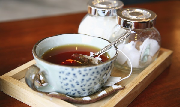 To use black pepper essential oil internally, add a drop to a cup of tea.