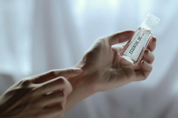 Helichrysum Essential Oil Health Benefits