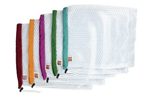 These lightweight mesh produce bags are designed to help reduce the use of infinite flimsy plastic bags