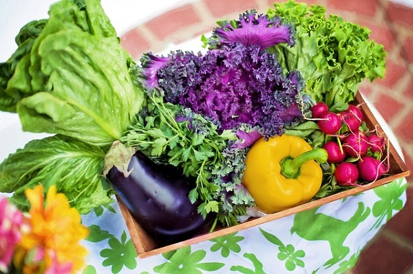 There are several foods that have been linked to lowering inflammation in the body.